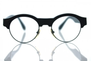 black round vintage glasses with thick bridge