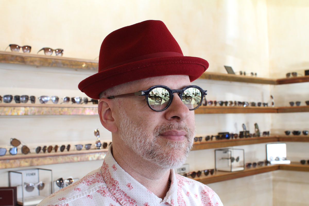 Eric wearing Anne et Valentin Modern Book with custom lenses