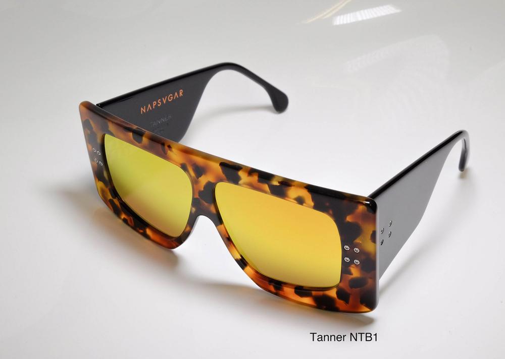 Napsvgar Tanner in Tortoise Black (NTB1) with Grey Amber Mirror lenses