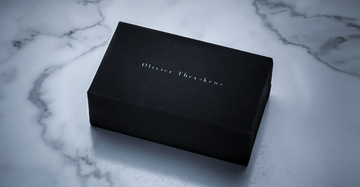 Jacques Marie Mage Olivier Theyskens outer velvet Box