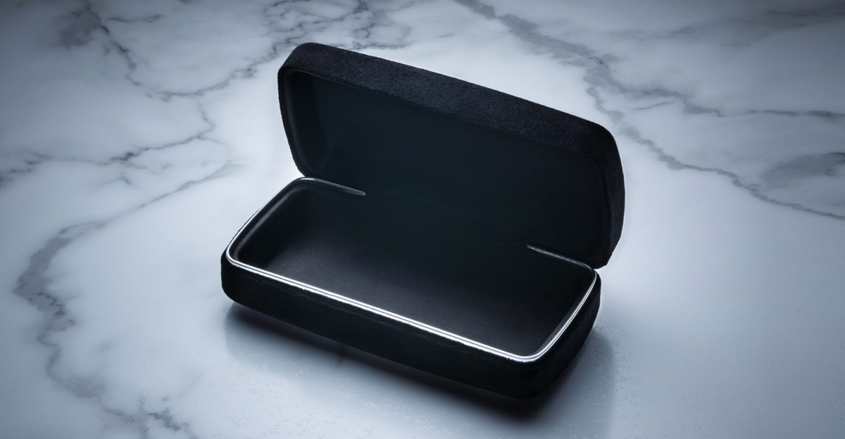 Jacques Marie Mage Olivier Theyskens Case